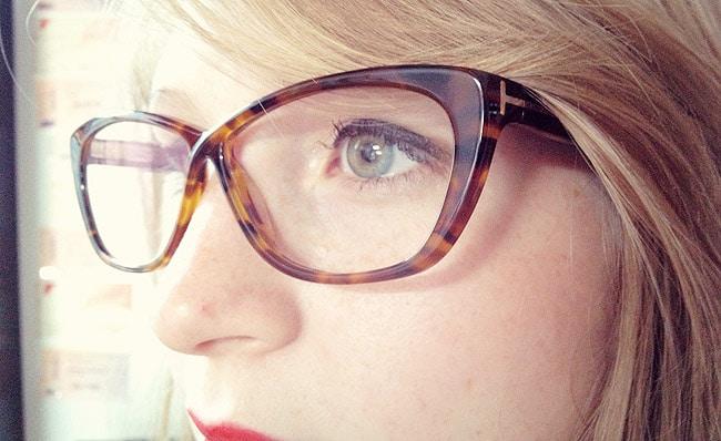 comment se maquiller avec lunettes