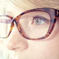 se maquiller avec des lunettes