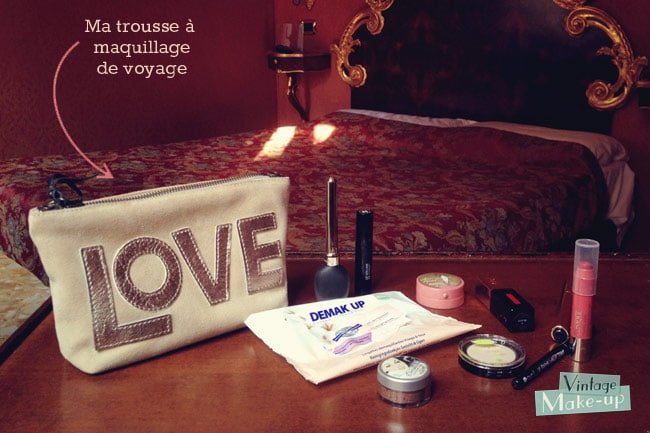 trousse maquillage vacance